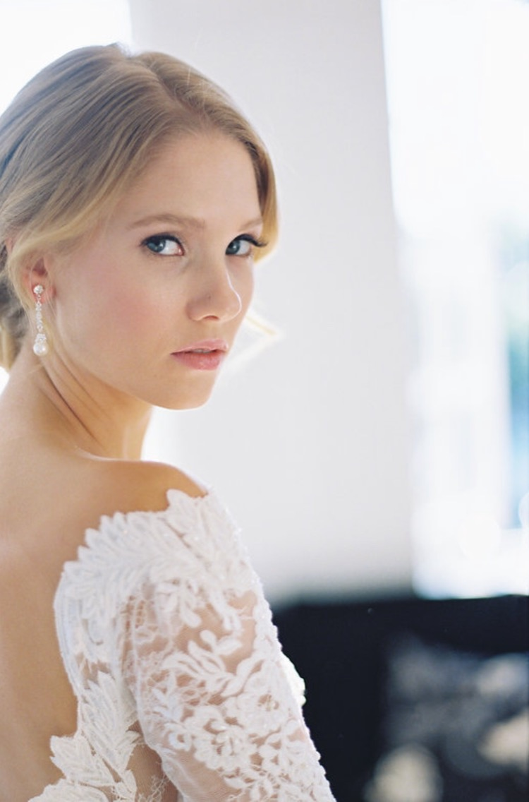 romantic winter bridal style- bel aire bridal / photography by kurt boomer