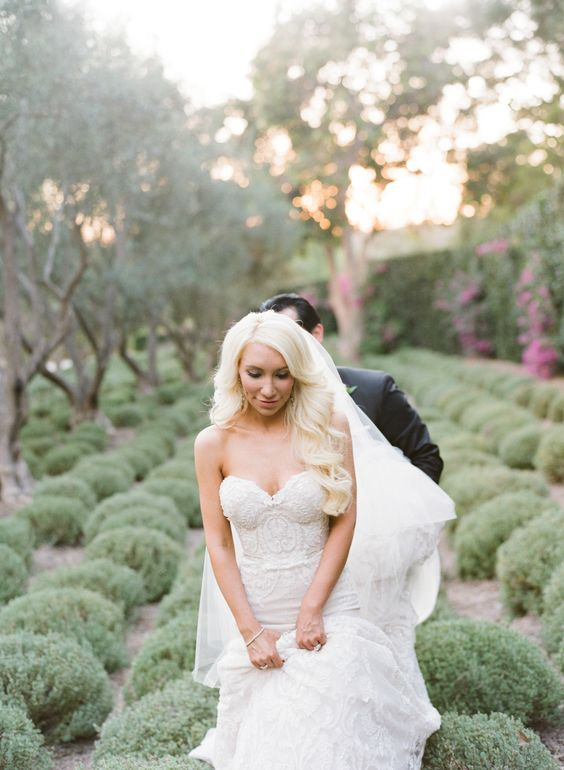 Enchanting San Ysidro Ranch wedding - Style Me Pretty feature