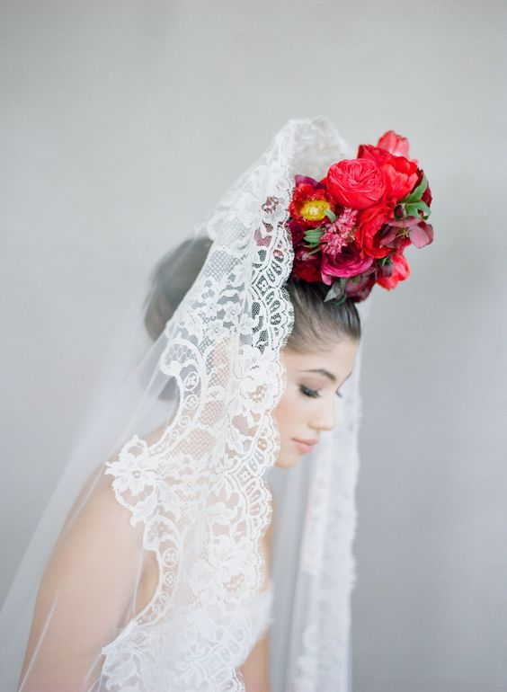 Luminous bridal style for Flutter Mag's Astrology Edition / photography by Elizabeth Messina