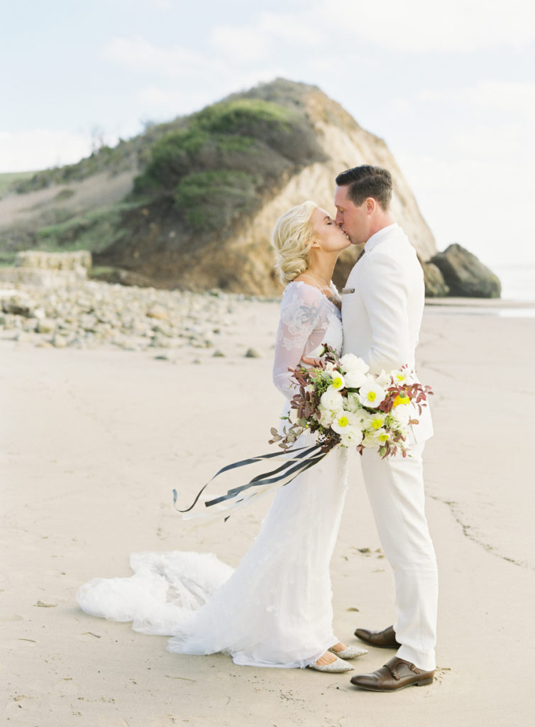 artistic california coast ranch wedding